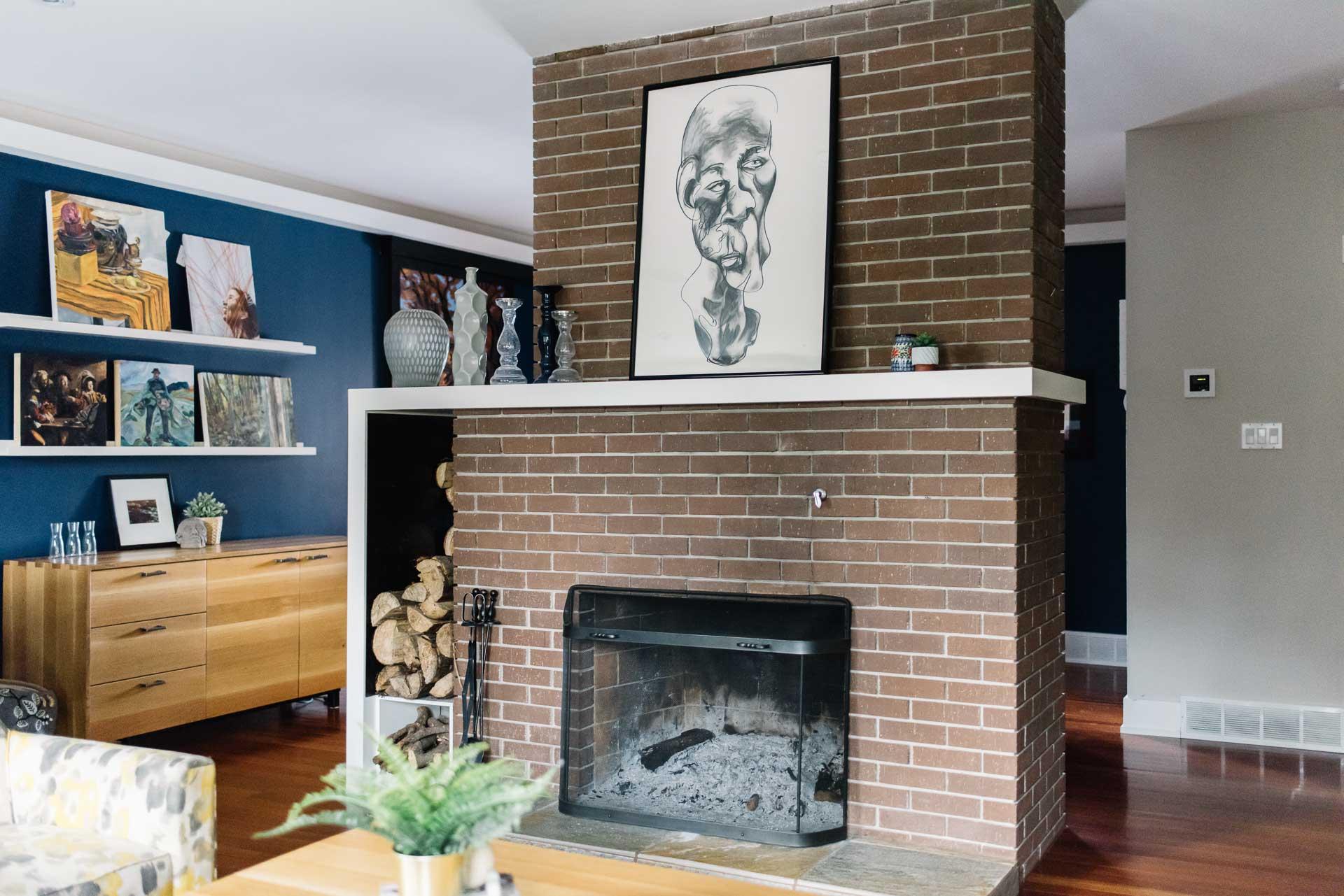 Maison brique fireplace habitat studio